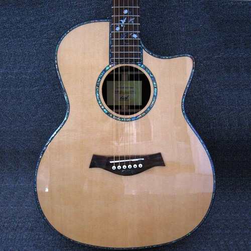 Taylor 916 CE Fishman EQ Solid Spruce Top Acoustic Guitar